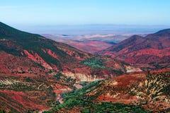 Valle rocoso en el camino de Marrakesh a Ouarzazate, Marruecos Imágenes de archivo libres de regalías
