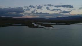 Valle sacra di pace Ukok nella sera al crepuscolo 1 video d archivio