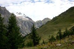 Valle scenica sulle alpi italiane Fotografia Stock