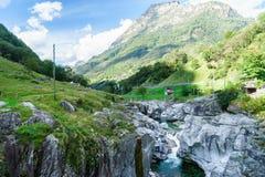 Valle Tesino Suiza de Verzasca Imágenes de archivo libres de regalías
