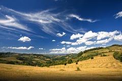 Valle verde de la montaña imágenes de archivo libres de regalías