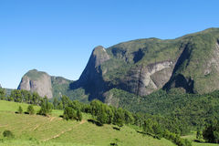 Valle verde del parco nazionale di Tres Picos Fotografia Stock Libera da Diritti