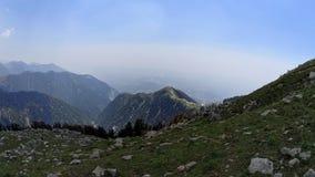 Valle verde della montagna immagine stock