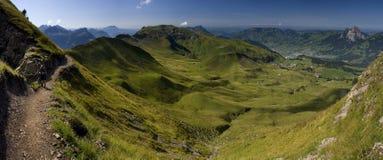Valle verde in Svizzera Fotografia Stock Libera da Diritti