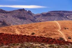 Valle vulcanica vicino al vulcano Teide con cielo blu Fotografia Stock Libera da Diritti