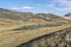 Valle y lago de la montaña Fotografía de archivo libre de regalías