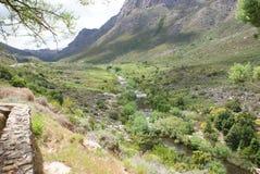 Valle y montañas del paisaje Imagen de archivo libre de regalías