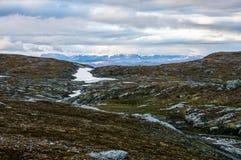 Valle y nubes rocosos Imagen de archivo libre de regalías