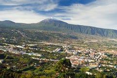 Valle y volcán Teide (Tenerife) de Orotava foto de archivo