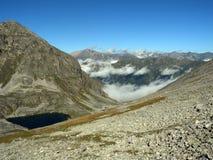 vallei in de bergen van de Kaukasus Royalty-vrije Stock Fotografie