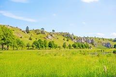 Vallei Eselsburger Tal - groene weide royalty-vrije stock fotografie