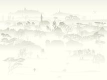 Vallei met bomen en landbouwbedrijf in een ochtendmist. Royalty-vrije Stock Afbeelding