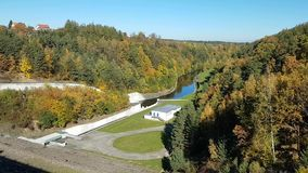 Vallei onder de Dam Rimov stock footage