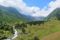 Vallei van Bilyagidon-rivier, de Kaukasus, Rusland Stock Foto
