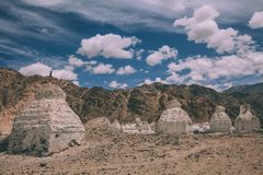 Vallei van stupas in Leh, stock afbeeldingen