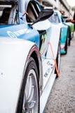 Vallelunga, Italia 24 de septiembre de 2017 Viajar a los coches de competición en un ro Imagen de archivo