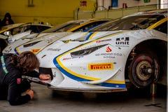 Vallelunga, Italie le 24 septembre 2017 Emballant des voitures de Lamborghini dedans Photographie stock