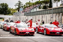 Vallelunga, Italie le 24 septembre 2017 Tourisme du groupe de Ferrari au St Photo stock
