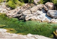 Vallemaggia den längsta alpina dalen i kantonen av Ticino i Schweiz Fotografering för Bildbyråer