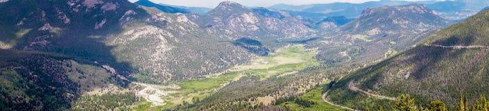 Valles y picos de montaña de Rocky Mountains Viaje a Rocky Mountain National Park Colorado, Estados Unidos Foto de archivo