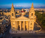 Valletta, Μάλτα - η εκκλησία κοινοτήτων Αγίου Publius γνωστή επίσης ως εκκλησία κοινοτήτων Floriana άνωθεν στοκ φωτογραφίες με δικαίωμα ελεύθερης χρήσης