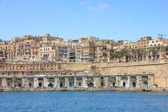 Valletta, Μάλτα - μπορέστε το 2018: Άποψη Valletta από το μεγάλο λιμάνι με τα παραδοσιακά balconys στοκ φωτογραφίες