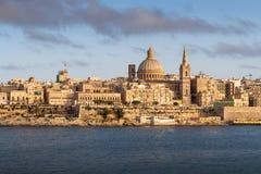 Valletta huvudstad av Malta, under den guld- solen Fotografering för Bildbyråer