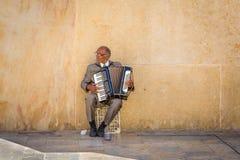 Valletta Malta, Maj, - 05, 2016: Uliczny muzyk Fotografia Royalty Free