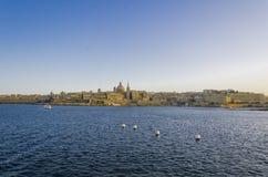 Valletta Malta sikt för solnedgång royaltyfria foton