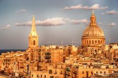 Valletta, Malta: vista aérea das paredes da cidade A catedral imagem de stock royalty free