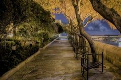 Valletta nachts Stockfotos