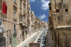Valletta oude straat Stock Afbeeldingen