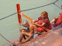 Vallfärda par i Haridwar Arkivbild