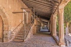 Vallfärdar fjärdedelar på den Lluc kloster, Mallorca Arkivfoto