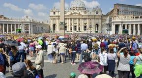Vallfärdar i Vatican City Fotografering för Bildbyråer