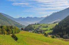 Valli e paesaggio italiani delle montagne Immagini Stock