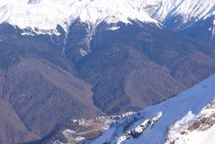 Valli e picchi della montagna di inverno Fotografia Stock