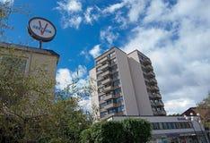 Vallingby wieżowiec i zegar Zdjęcia Royalty Free