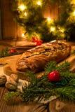 Vallmokaka för jul arkivbild