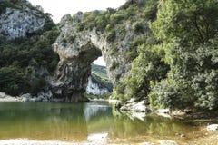 Vallon Pont d'Arc,自然曲拱在Ardeche,法国 免版税库存图片