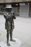 Vallpojken-Skulptur Stockfotos