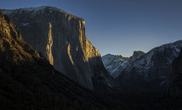 Vallye Sunrise. The sun dawns over Yosemite Valley and basks the granite cliffs of El Capitan in early morning light Royalty Free Stock Photos