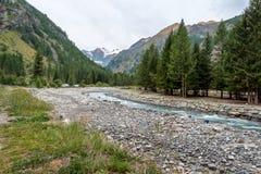 Valnontey nära Cogne, i nationalparken av Gran Paradiso, Italien royaltyfria bilder
