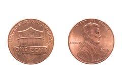 Valor americano da moeda um centavo E.U. Ambos os lados da moeda Tiro macro ascendente próximo do extremo Isolado no branco imagem de stock royalty free