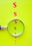 Valor Shrinking do dólar. Imagens de Stock Royalty Free