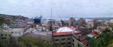 VALPARAISO, ΧΙΛΗ, ΣΤΙΣ 16 ΔΕΚΕΜΒΡΊΟΥ 2016: πανοραμική άποψη στην πόλη Στοκ φωτογραφία με δικαίωμα ελεύθερης χρήσης