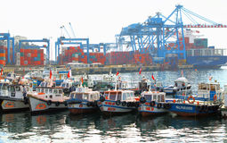 VALPARAISO, CHILE- june 10: The busy cargo seaport. Valparaiso, Stock Photos