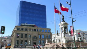 Valparaiso square. General view of a Statue in Valparaiso square, Chile stock video