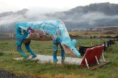 Valse Koe dichtbij Oregon& x27; s Kustwaaier stock afbeeldingen