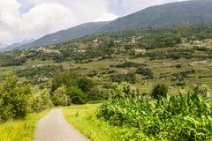 Valtellina, pista do ciclo foto de stock